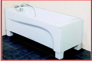 Height adjusting easy access bath